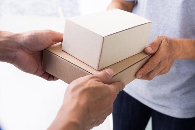 Lever pakketten snel aan ontvangers,