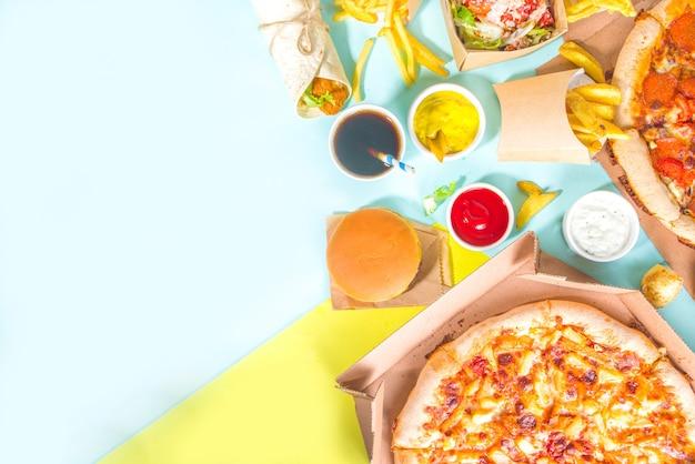 Levering fastfood eten bestellen online concept.