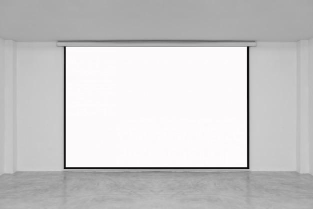 Lezingsruimte met leeg wit projectiescherm
