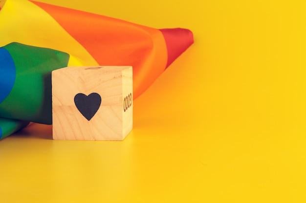 Lgbt-concept, tekstliefde, lgbt-vlag