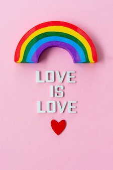 Lgbt-trotsconcept. liefde is liefde met regenboog.