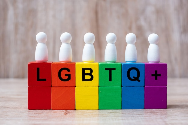 Lgbtq + regenboogkleurenblokken