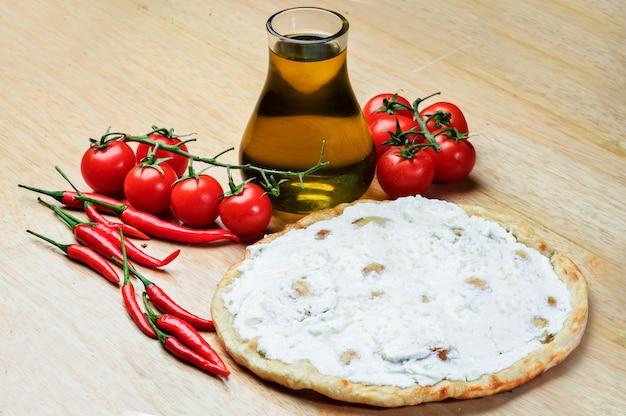 Libanees voedsel van tijm en kaas manaqish.