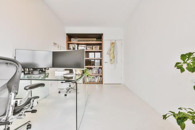 Licht interieur van een luxe huis