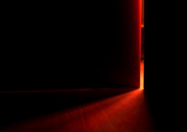 Licht van een open deur