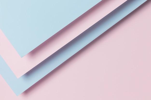 Lichtblauwe en paarse kasten