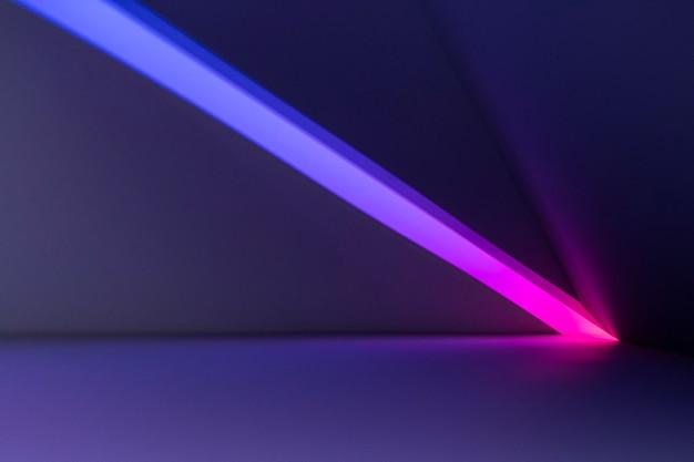 Lichte achtergrond met projectorlamp bij zonsondergang