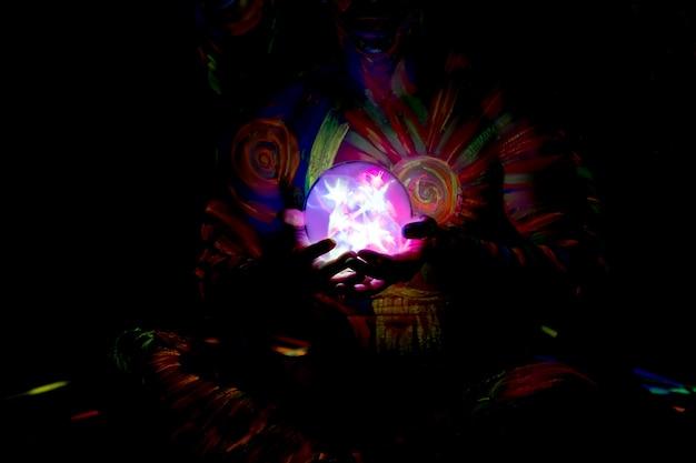 Lichte kristallen bol
