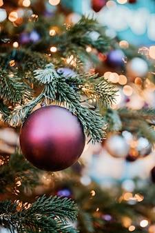 Lichten op de kerstboom in kopenhagen
