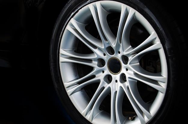 Lichtmetalen wiel auto