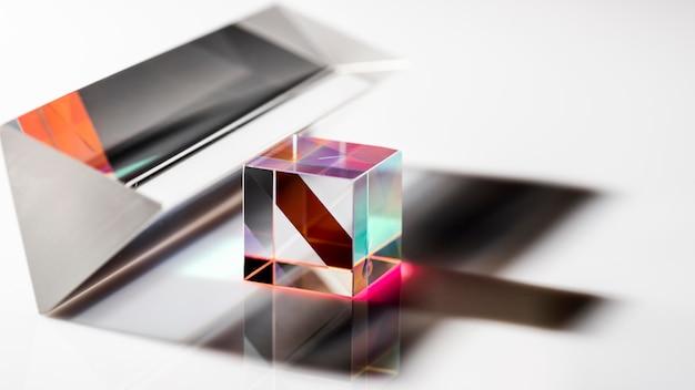Lichtstralen in prisma en schaduwen