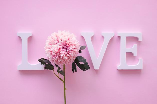 Liefde die met bloem schrijft