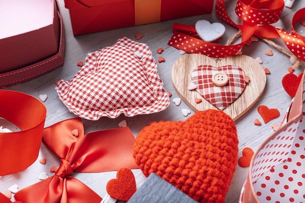 Liefdeelementen, concept voor valentijnsdag.