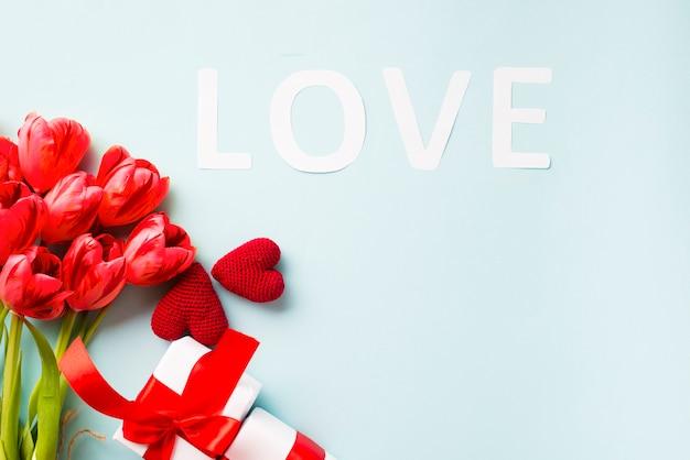 Liefdesschrift en valentijnsdag presenteert
