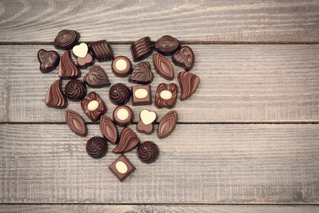 Liefdesymbool vol chocoladesuikergoed