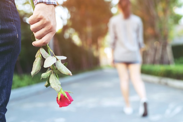 Liefhebbers gaan uit elkaar op valentijnsdag