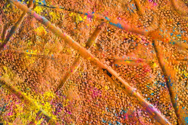 Lijnafdrukken op kleurrijk poeder