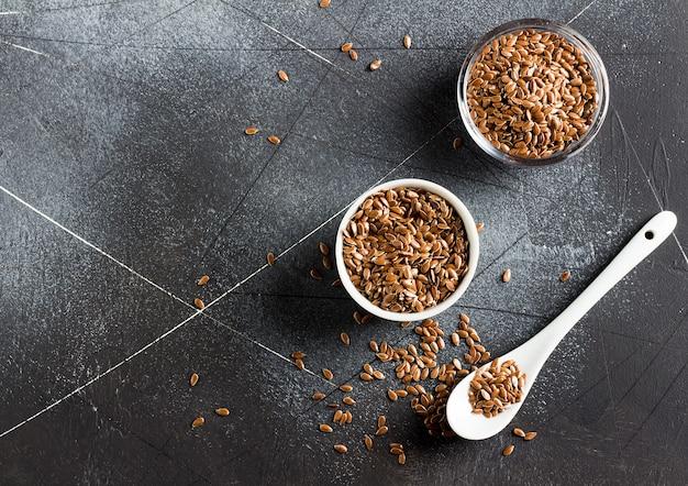 Lijnzaad lijnzaad superfood gezond biologisch voedsel concept