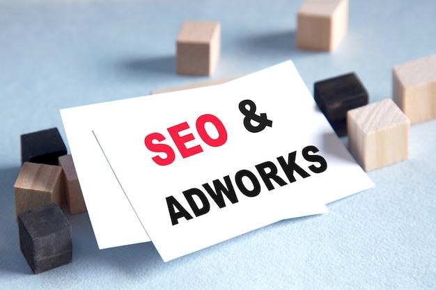 Lijst met tekst seo adworks, een heldere oplossing voor bedrijven