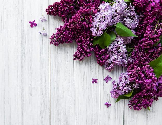 Lila lente bloemenrand