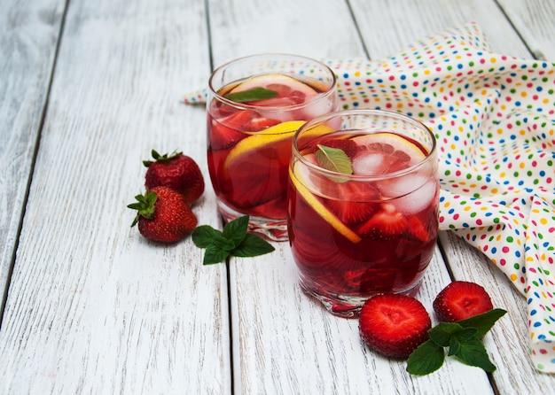 Limonade met aardbeien