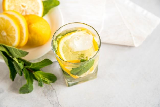 Limonadestilleven voor de zomer