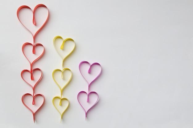 Linten gevormd als harten valentijnsdag concept.