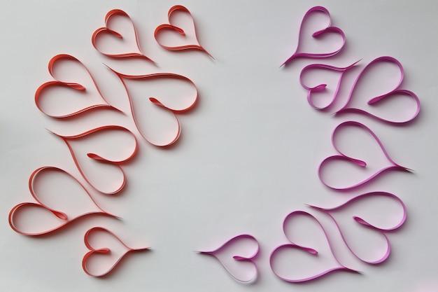 Linten gevormd als harten valentijnsdag.