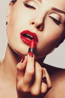 Lippenstift toepassen