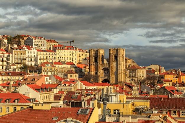 Lissabon uitzicht met de kathedraal