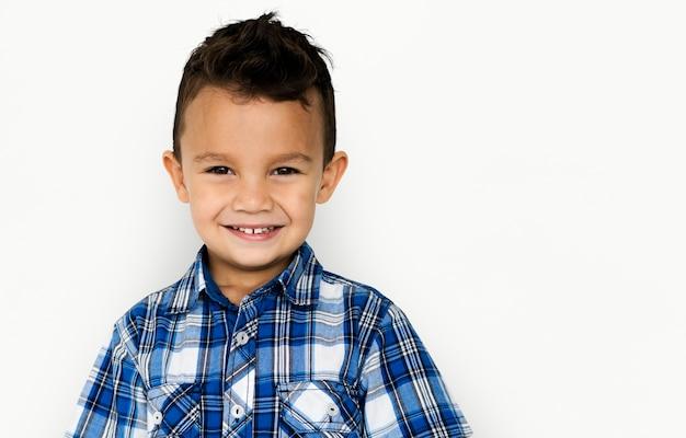 Little boy kid schattig glimlachend schattig studio portret