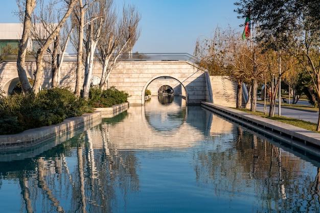 Little venice waterpark op baku boulevard