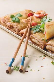 Loempia's met groenten en garnalen