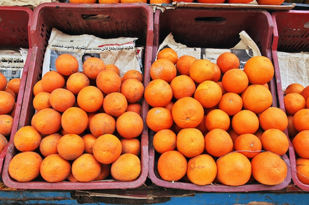 Lokale markt in de stad luxor, egypte