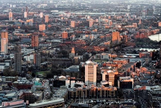 Londen - december 6: uitzicht vanaf de scherf in londen op 6 december 2013