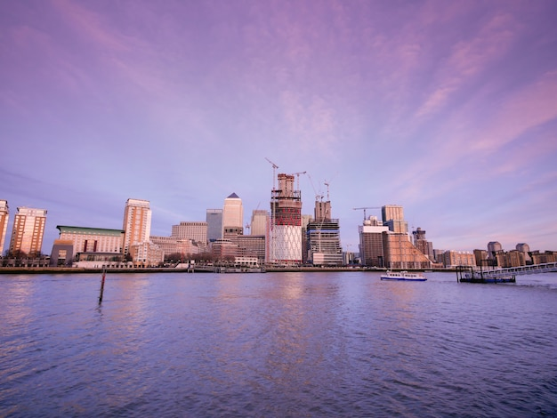 Londen kantoorgebouw wolkenkrabber, werken & vergadering