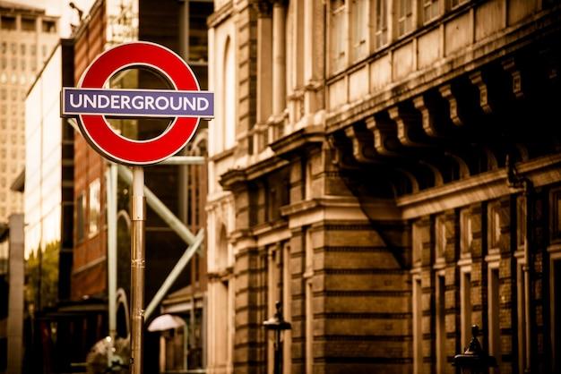 Londen underground in sepia