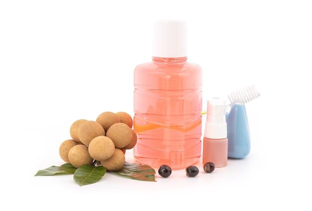 Longan-extract wordt gebruikt om mondwater, mondspray, tandpasta te maken om ziektekiemen te stoppen die op wit worden geïsoleerd.