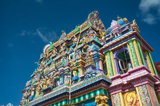Lord shiva-standbeeld en koneshwaram-tempel trincomalee in sri lanka