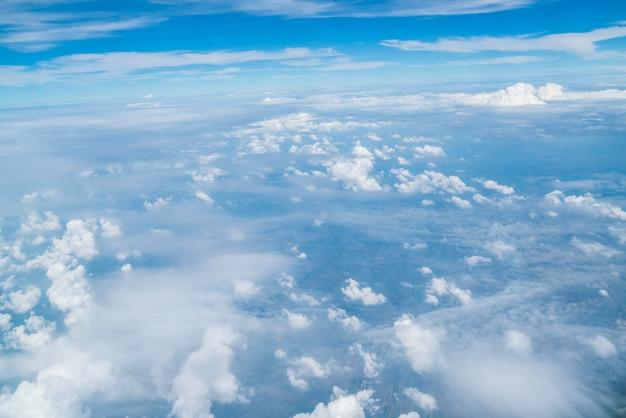 Lucht en de wolken vanuit vliegtuig