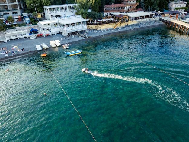 Lucht hoogste mening van de straaljetski van aquafiets in de stad van europa