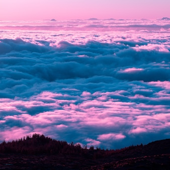 Lucht. zonsondergang. tenerife. paars dromen concept