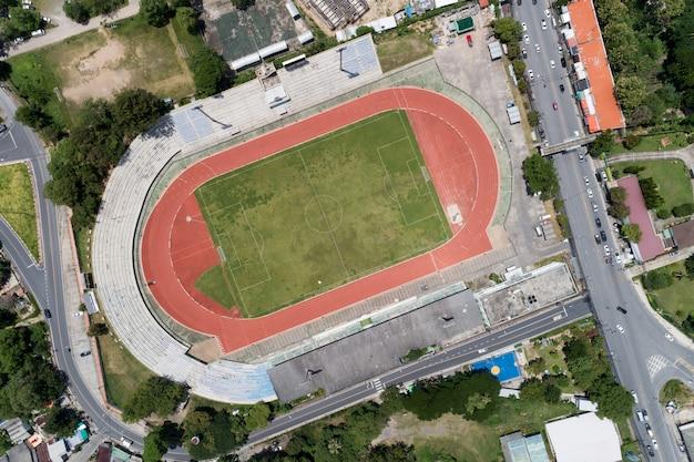 Luchtfoto drone neergeschoten bovenaanzicht van voetbalveld of voetbalveld