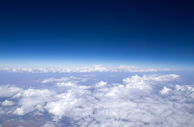 Luchtfoto hemel en wolken achtergrond