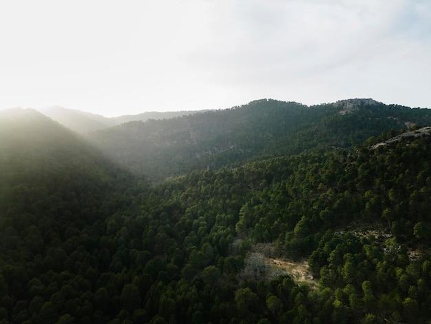 Luchtfoto landschapsmening van bergen