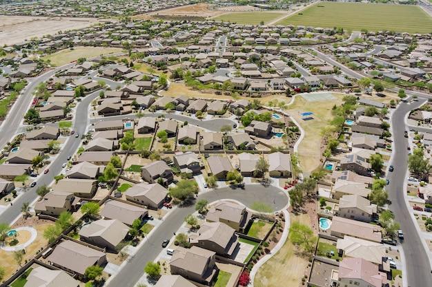Luchtfoto panorama-view van kleine stad woonwijk van een wijk met avondale de arizona usa