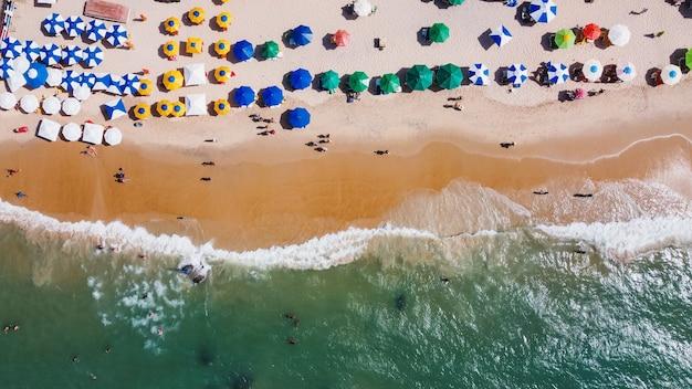 Luchtfoto strand afbeelding. oceaan en strand