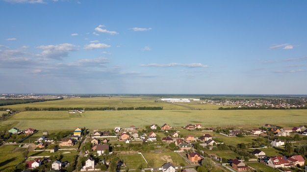 Luchtfoto uitzicht over prive cottage