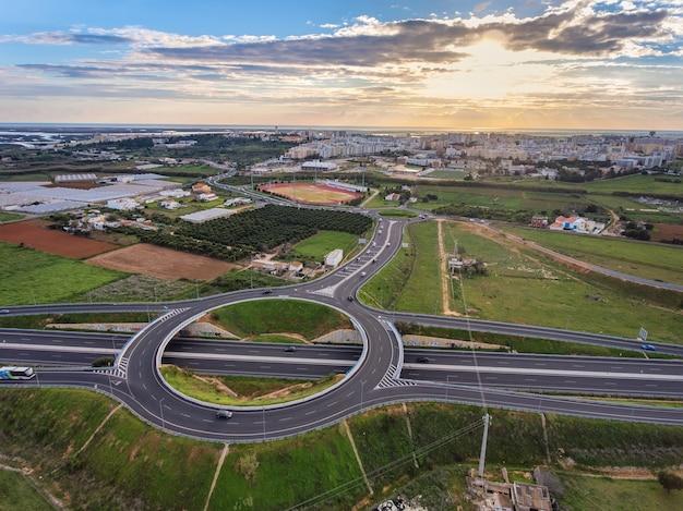 Luchtfoto. uitzicht vanuit de lucht naar de portugese stad faro.