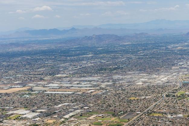 Luchtfoto van de berg van scottsdale, in de buurt van phoenix arizona, omhoog kijkend in de vs